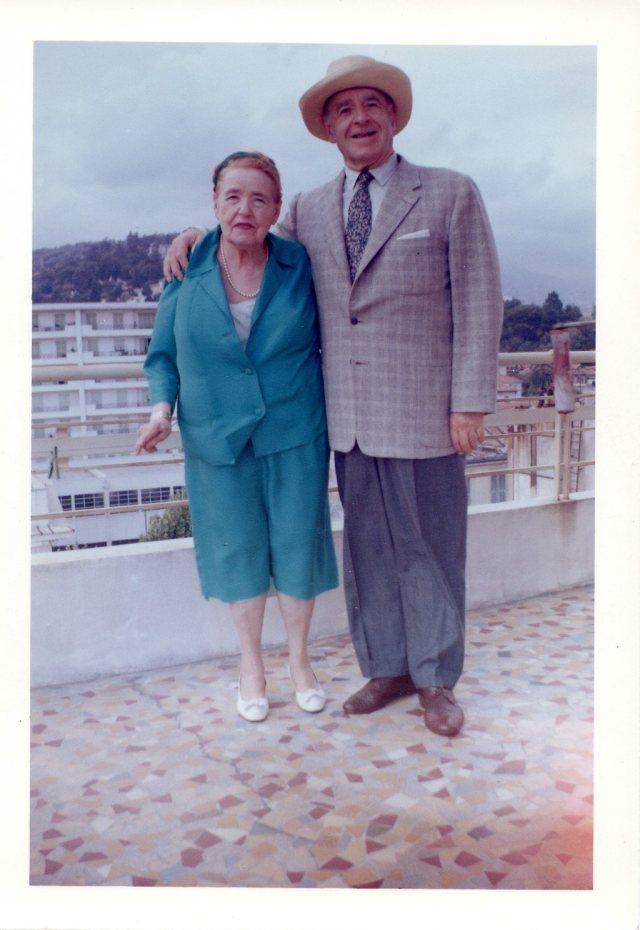 33) TAB & WIFE