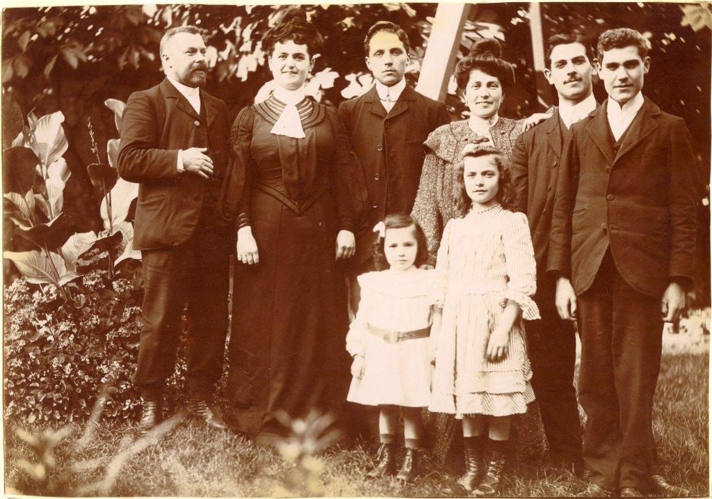 Family in garden.jpg